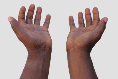 hands-4576541_1920